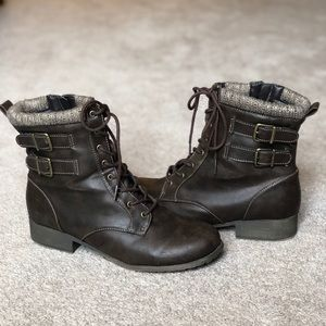 Size 12 Never worn combat style boots.
